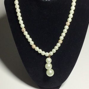 Monet Fashion Pearl necklace new